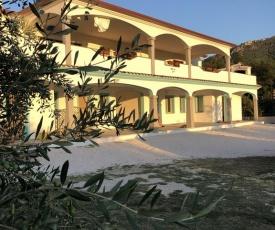 Borgo Albador