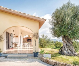 Three-Bedroom Holiday home Villa San Pietro with Sea View 07