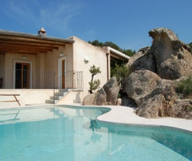 Baja Sardinia Villa Sleeps 10 Pool Air Con WiFi