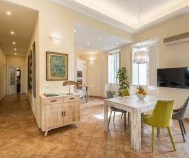 ExmA Luxury Apartment