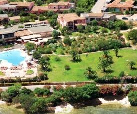 Cannigione Villa Sleeps 2 Pool Air Con WiFi T805781