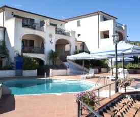 Cannigione Villa Sleeps 4 Pool Air Con WiFi