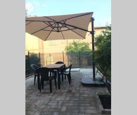 Appartamento delizioso con giardino