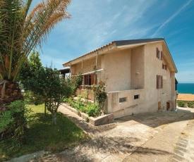 Two-Bedroom Apartment in Porto Alabe