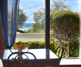 Beach-front boutique apartment Lido 113