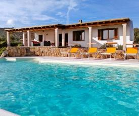 La Sima villa con piscina vista mare San Pantaleo Sardegna