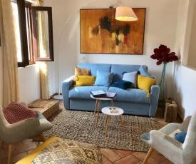 Place San Pantaléo : jolie maison sarde authentique
