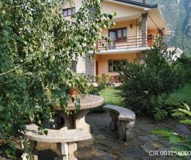 Villa con giardino Luisa